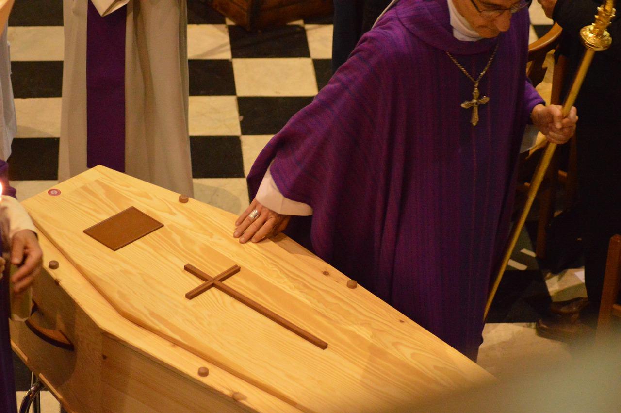 cérémonie d'obsèques catholique